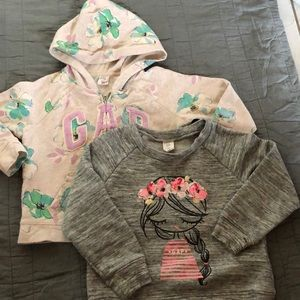 GAP sweatshirts 4T